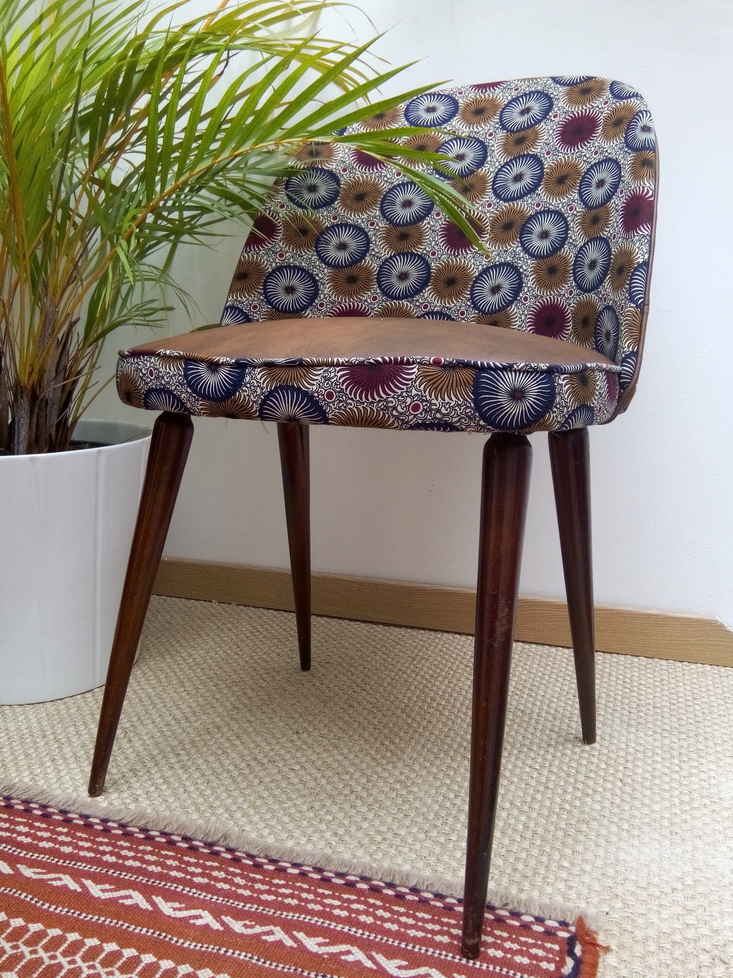 fauteuil retapisser atmolybom tissu ouzb kistan at moly b m tapisserie d 39 ameublement. Black Bedroom Furniture Sets. Home Design Ideas