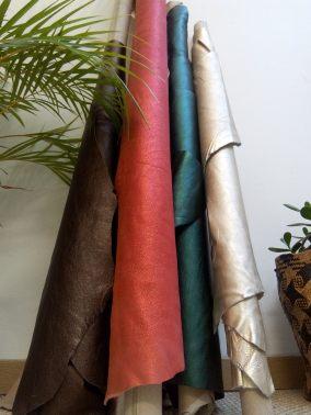 fauteuil-club-peausseries-cliente-pour-son-fauteuil-atmolybom-tapisserie
