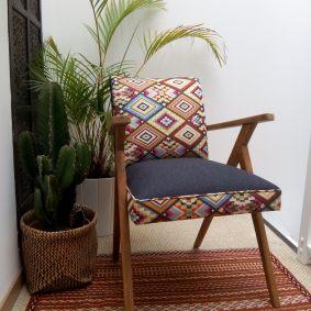 fauteuil pieds compas tissu ethnique
