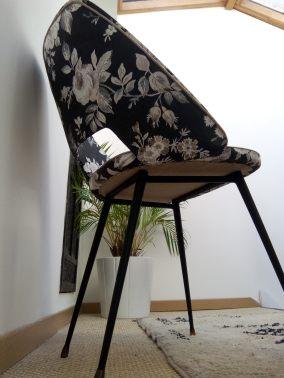 chaise_terminee_atmolybom_design_annees_50_en_tissu-style_anglais
