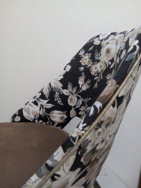 detail_chaise_tissu_fleuri_creation_atmolybom