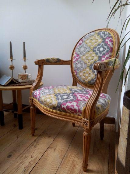 17-Médaillon-restauration-complete_en_crin_tissu_osborne_et_littke_lin_atelier_molybom_toulouse_tapisserie_d_ameublement