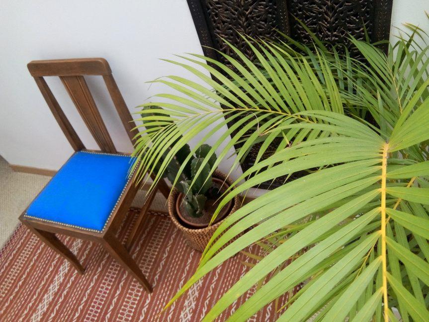 chaise-art-déco-restauré-par-atmolybom-tissu-bleu-jab