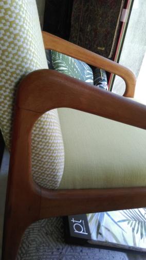 fauteuil-stella-restauré-par-atmolybom-chez-Hubert-tapissier